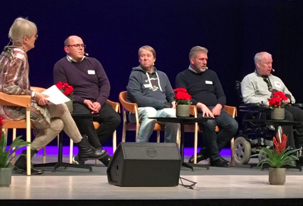 Fyra bloggare frågas ut på scenen